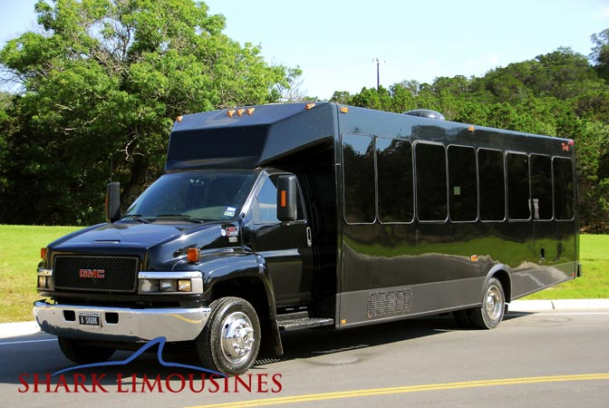 medium party bus hammerhead shark limousines san antonio limousine service. Black Bedroom Furniture Sets. Home Design Ideas